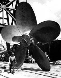 oil-tanker-propeller-1